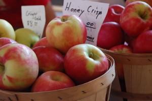 candle-honeycrisp-apple