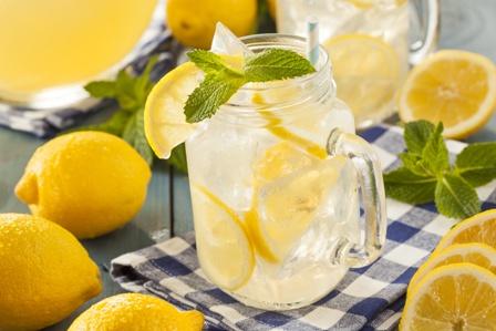 Lemonade-candle