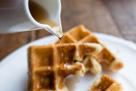 Golden-maple-waffles-candle