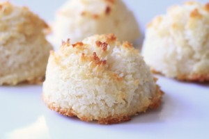 coconut-macaroon-candle