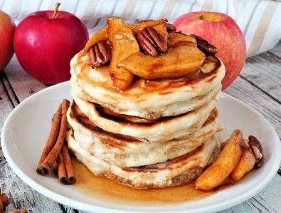 apple-pancakes-small