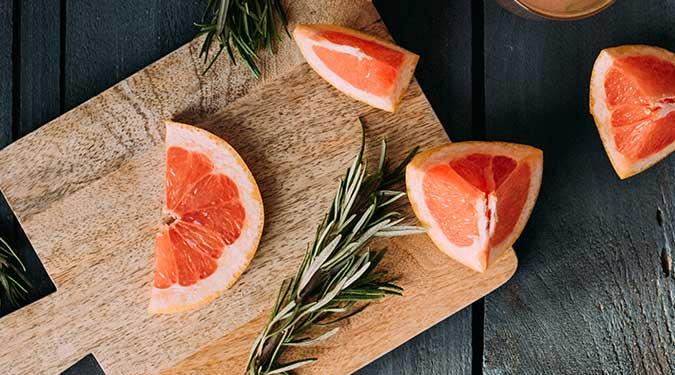 Grapefruit Ebony Bark Candle Review