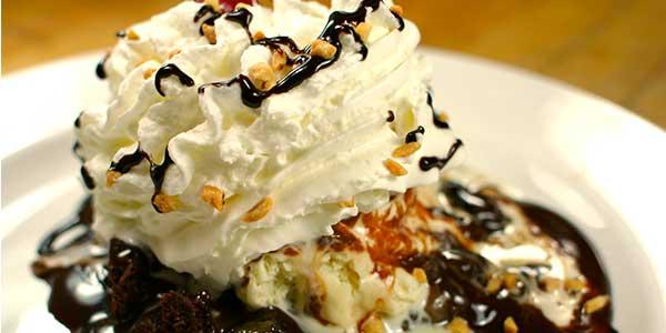 Hot Fudge Sundae Candle Review