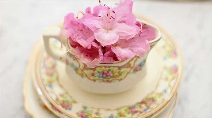 Pink Petal Tea Cake Candle Review