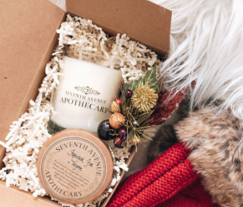 Holiday Scented Candle Fraiser Fir & Thyme from Seventh Avenue Apothecary