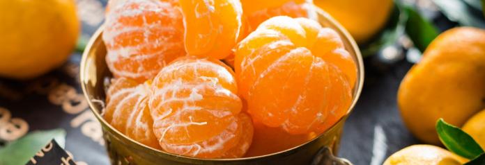 peeled mandarin oranges in bowl
