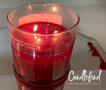 Lone Star Candles & More Pomegranate Delight Candle