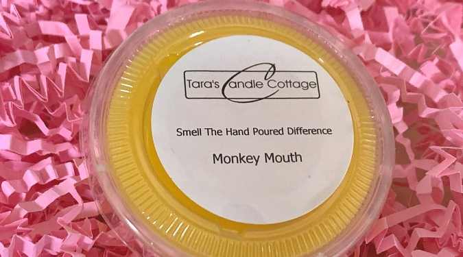 Tara's Candle Cottage Melts - Smell The Hand Poured Difference