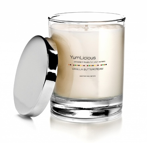Review of 6 5 oz candles from yumlicious brand soy candles for Best scented candle brands