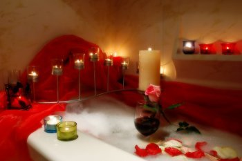 Candles Decorating Your Bathroom With