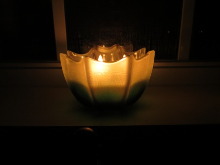 Review of a Hemlock scented candle from D.L. & Company
